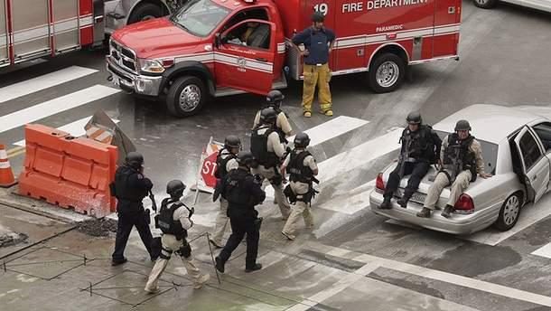 Поліція прибула на місце стрілянини