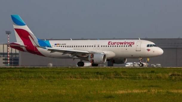 Літак компанії Eurowings з багажем на борту вилетів без пасажирів у Німеччині.