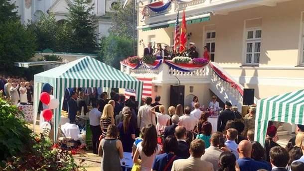 Прийом у посольстві США