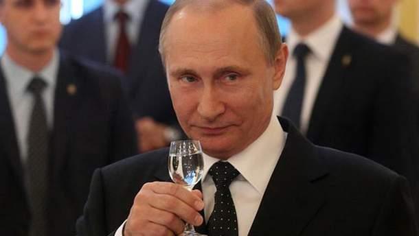 Владимир Путин празднует