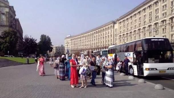 Несколько групп паломников уже на Майдане