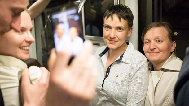 Надежда Савченко с народом