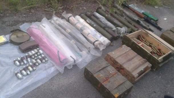 Зброя, виявлена поблизу Дніпра