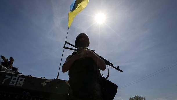 Українські бійці обороняють свої позиції