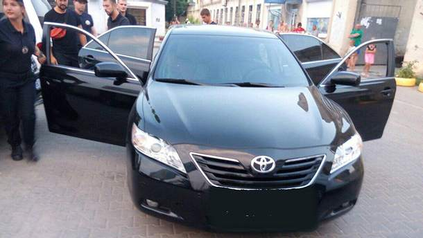 Молодые люди на Toyota Camry устроили стрельбу