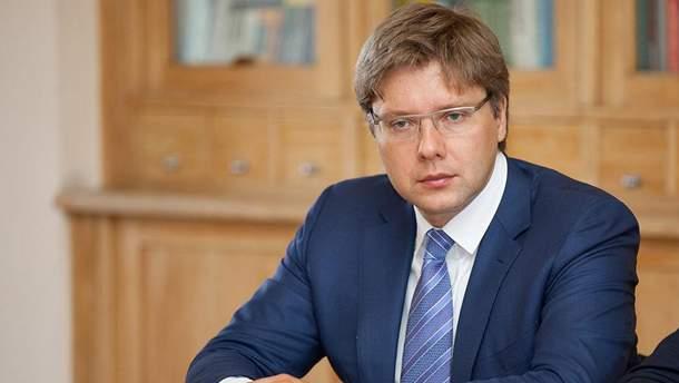 Нил Ушаков все чаще выражает пророссийские позиции