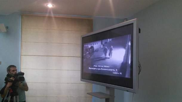 Следователи показали оперативное видео
