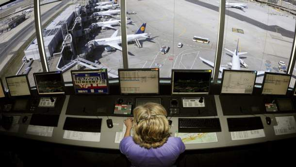 Имела Люда Лопатишкина отношение к авиации, так и осталось загадкой