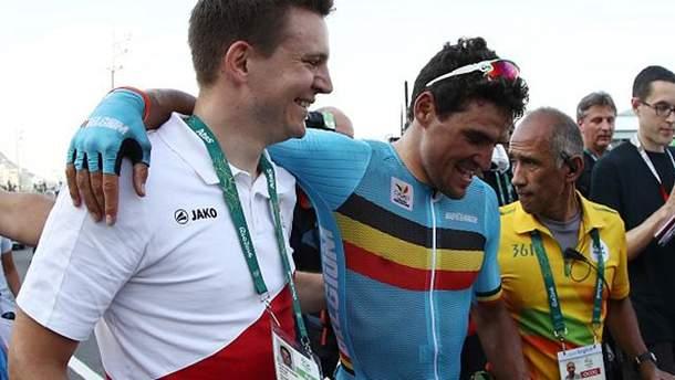 Грег ван Авермет (посередині) після фінішу