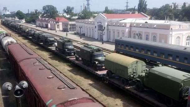 В Крым завезли колонну военной техники из России