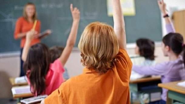 Министерство обещает упростить жизнь юным школьникам