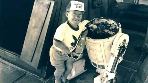 Кенни Бейкер и R2-D2