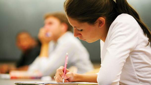 Більшість випускників знають українську мову на високому рівні