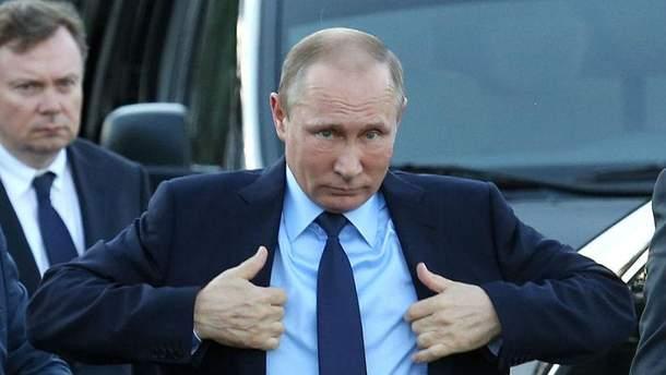 """Путін """"брязкає зброєю"""", поки світ відволікає Олімпіада"""