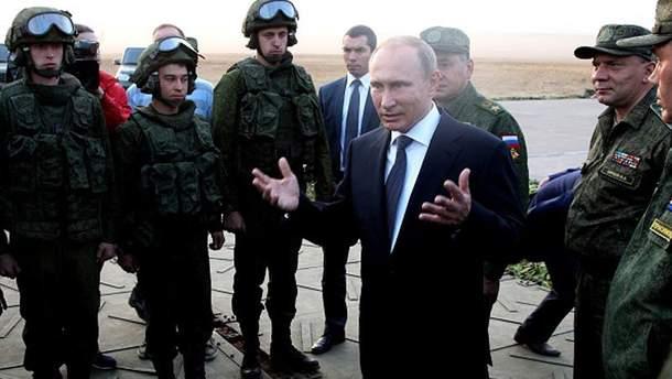 Володимр Путін і його солдати