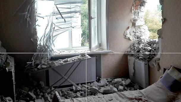 Наслідки обстрілу в Мар'їнці