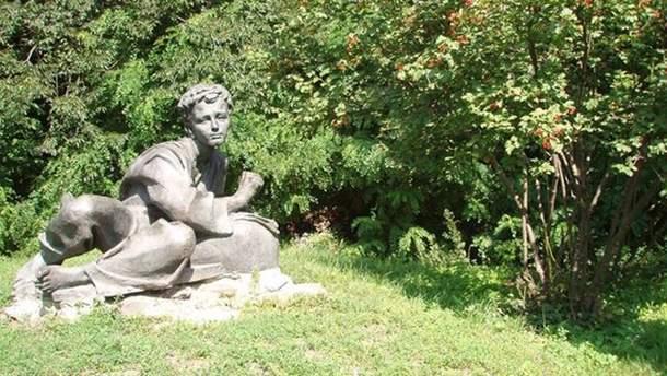 """Так виглядає скульптура """"Тарас малює"""""""