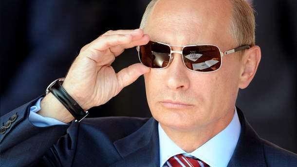 Владимир Путин в солнцезащитных очках