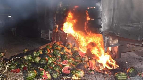 Загорелся грузовик с арбузами