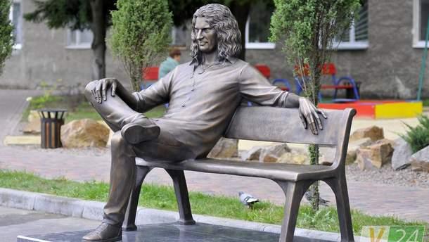 Новий пам'ятник Скрябіну у Луцьку