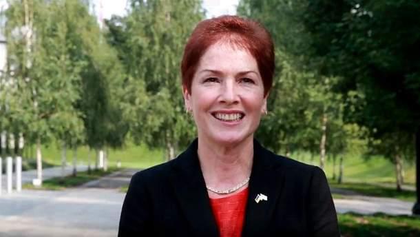 Новий посол привітала українців  українською