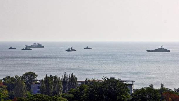 Військові кораблі Росії у Феодосії