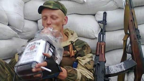 Боевики на Донбассе со спиртным почти не расстаются