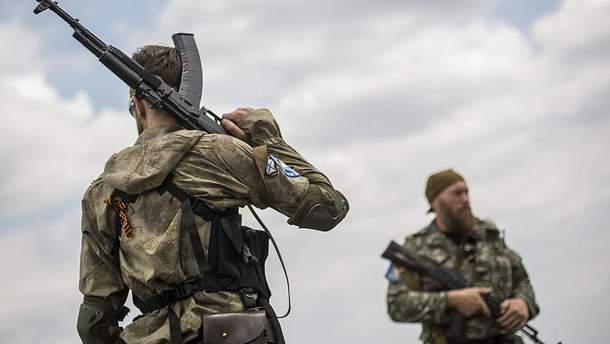 Проросійські бойовики одними з перших були на місці катастрофи і нікого туди не допускали