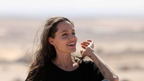 Анджеліна Джолі
