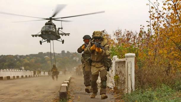 Як тренуються десантники з 25 бригади