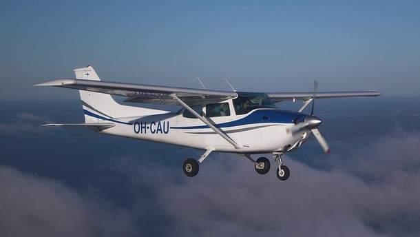 Самолет Cessna 172