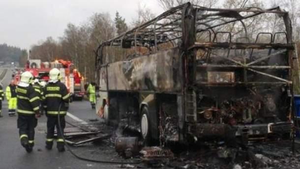 Автобус полностью сгорел