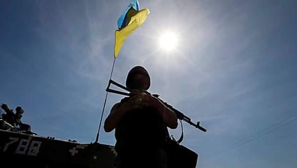 Двох українських військових було поранено