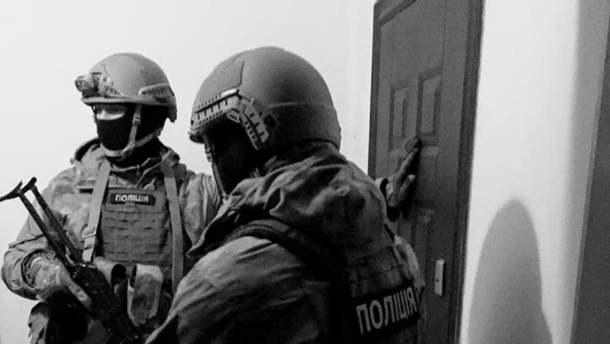 Правоохоронці проводять спецоперацію в Затоці