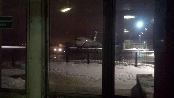 Літак Ту-154 перед вильотом