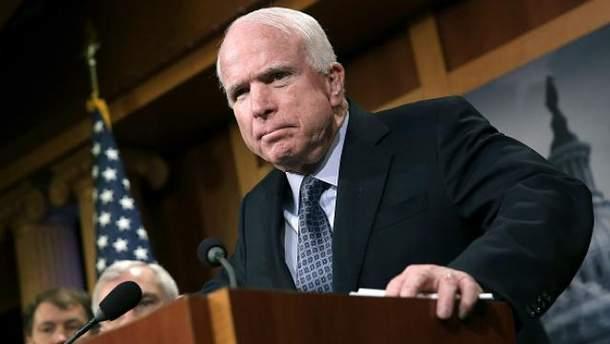 Джон Маккейн вже не один раз був в Україні