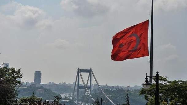 Турецкая полиция отчитывается о задержании злоумышленников, которые готовили теракт