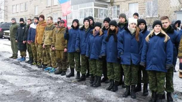 Терористи студентів Донбасу женуть на фронт