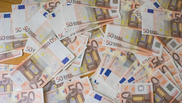 Євро подешевшало одразу на 20 копійок