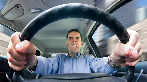 Водіїв просять не панікувати