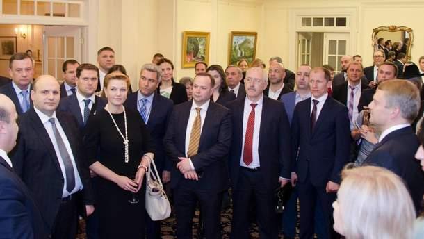 Встреча в посольстве