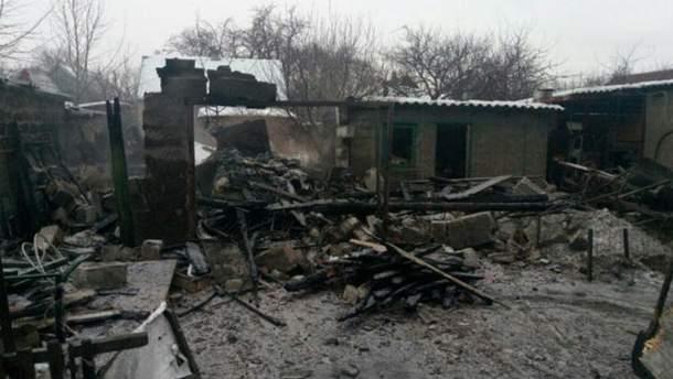Зруйнований будинок в Авдіївці