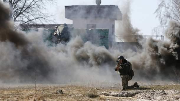 У Мар'їнці вже горять деякі будинки