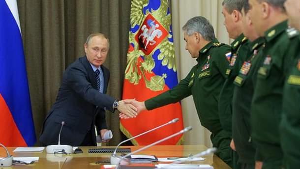 Владимир Путин с генералами