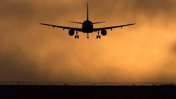 Самолет из Симферополя совершил вынужденную посадку в Ростове-на-Дону