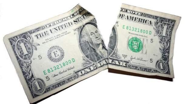 Доллар потерял еще 2 копейки