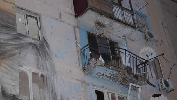 Обстріляні будинки в Авдіївці