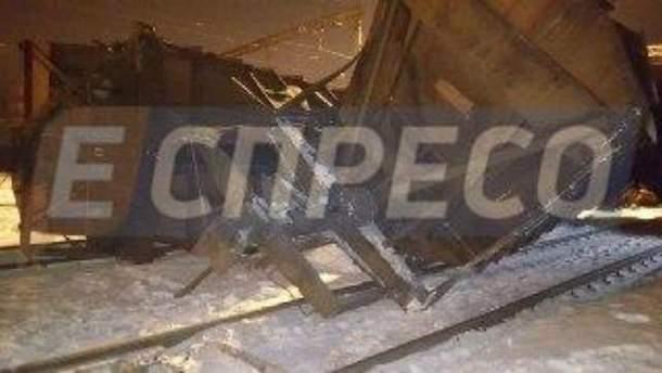 Два вантажні потяги зіткнулись на станції Київ-Волинський