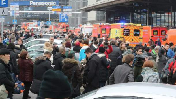 В Гамбурге - эвакуация в аэропорту