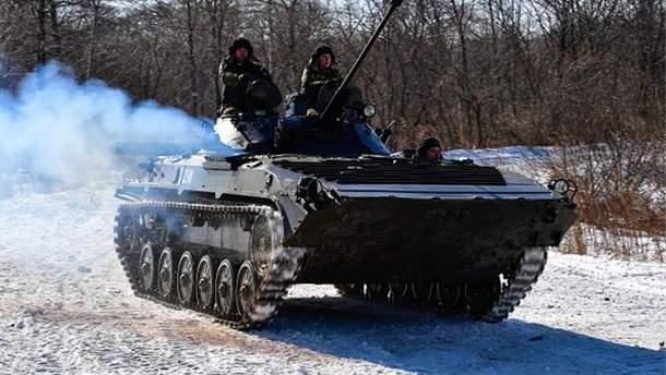 Российские военные на БМП